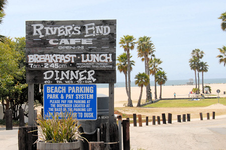 River's End Cafe, Seal Beach California, Parking Lot Entrance
