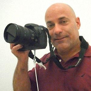 Ralph Velasco teaching a Travel Photography Class