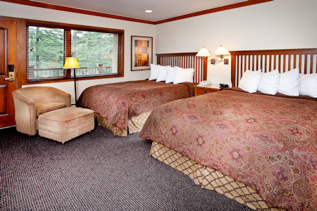 Guestroom at the Vail Manor Lodge.