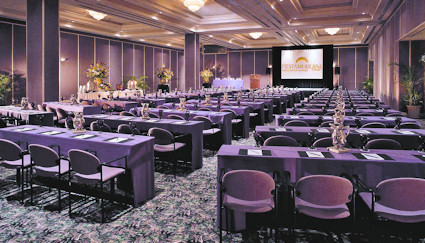 Grand Coral offers meeting facilities.