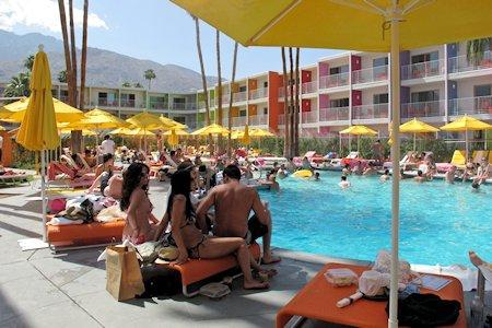 Crowd at the Saguaro Pool