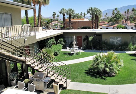Chase Hotel Palm Springs grounds