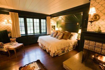 Room at the Glendorn Lodge.