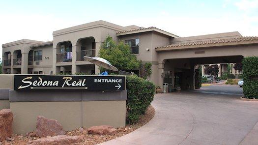 Entrance to Sedona Reãl Inn & Suites, Arizona