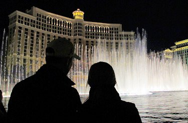 Tom & Casey get engaged at the fountain in front of the Bellagio.