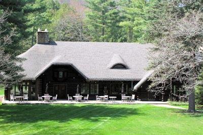 Exterior of The Lodge at Glendorn in Bradford PA.