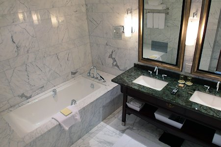 Bathroom in 1 bedroom suite at Shangri-La Hotel Toronto