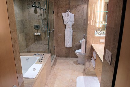Bath room at SoHo Metropolitan Hotel Toronto