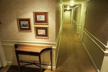 Hallway, Wedgewood Hotel Vancouver