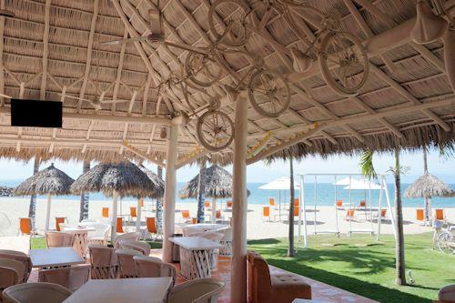 Restaurant & bar at beach that Matlali runs.