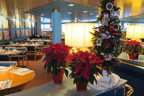 Decorations around the Lido Market buffet on deck 9.