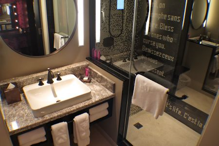 Guest Room bathroom in Cromwell Hotel Las Vegas