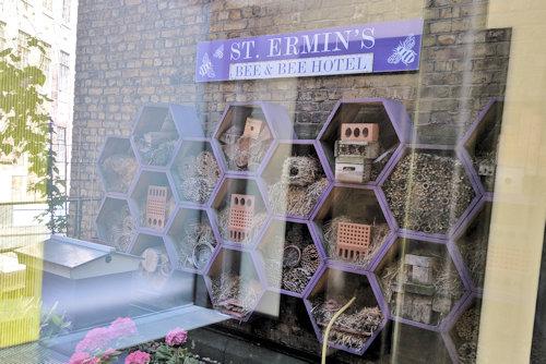 Bee & Bee Hotel